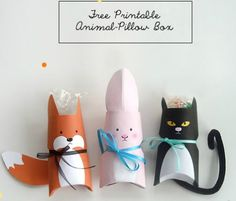 "Free Printable Animal Pillow Box for tiny treats, candies and gifts. Cute stocking stuffers for Christmas gifts or ""nametag"" alternative on birthday gifts (hang from ribbon) also darling for valentines day or for party favors. Kids Crafts, Easter Crafts, Craft Projects, Papier Diy, Toilet Paper Roll Crafts, Ideias Diy, Pillow Box, Cat Pillow, Animal Pillows"