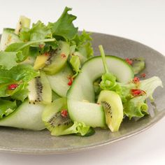 Zespri Green kiwifruit salad with cucumber and coriander