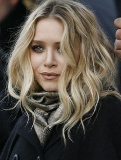 Winter blonde with gorgeous waves. And know its an olsen twin but I love the…