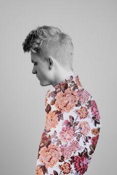 Me gusta esa camisa! floral pattern