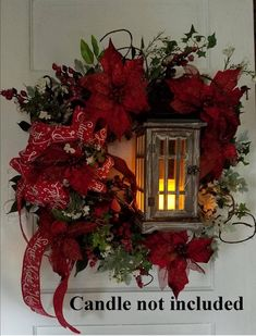 The Christmas countdown is just launched! Bring the magic of Christmas to your home! Because it is not always easy to imagine a Christmas decoration and holiday table consistent and really like you, deco. Large Christmas Wreath, Christmas Lanterns, Xmas Wreaths, Christmas Porch, Outdoor Christmas Decorations, Christmas Centerpieces, Rustic Christmas, Simple Christmas, Christmas Holidays