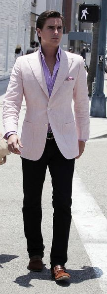 I LOVE Scott's style!! Gotta love a man in business wear, it's my weakness! ;D