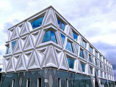 Laboratorium voor Infectieziekten, Groningen, The Netherlands by De Zwarte Hond
