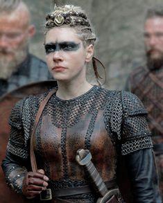 """lahnister: """"""""Lagertha in """" Vikings Tv Series, Vikings Tv Show, Cheveux Lagertha, Viking Makeup, Vikings Lagertha, Ragnar Lothbrok, Medieval Hairstyles, Viking Series, Viking Armor"""