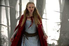 Collar y cinturón de Valerie. Amanda Seyfried en Red Riding Hood. Catherine Hardwicke - 2011.