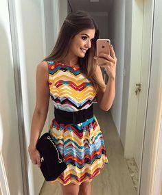 {Saturday} Vestido estampado by @queencoutureoficial para loja @luluchicriopreto ❤️ Amo basiquinhos assim! Coloquei um cintão para acinturar e pronto.. perfeito! • #ootd #lookdodia #lookoftheday #selfie #blogtrendalert