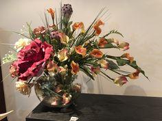 Flower Arrangements, Glass Vase, Shelves, Flowers, Plants, Top, House, Ideas, Home Decor