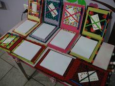 Lindos blcos de notas super personalizados, feito em cartonagem (papelão revestido de tecido), acompanha caneta e espaço para papéis. Estampas diversas R$ 29,90