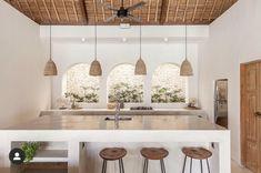 〚 Luxury villa with pool on Bali 〛 ◾ Photos ◾Ideas◾ Design Bali House, Kitchen Interior, Home Interior Design, Kitchen Design, Bali Style Home, Casa Cook, Bokashi, Cuisines Design, Kitchen Styling