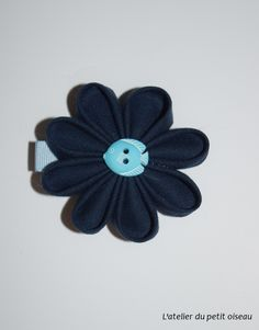 Pince fleur originale bleue marine poisson