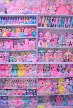 28 Ideas for vintage toys kids polly pocket Kind Und Kegel, Kawaii Bedroom, Indie Kids, Kawaii Shop, Pink Aesthetic, Little Pony, Wall Collage, Kitsch, Vintage Toys