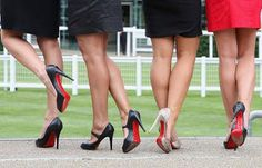 GKOUROU : ΦΟΒΕΡΟ κόλπο για να ανοίξετε τα στενά παπούτσια μέχρι και ένα νούμερο