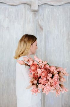 Blush blooms for a #blushwedding . . . love an armful of flowers!