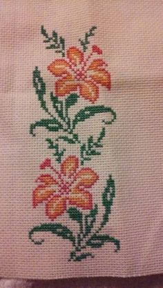 This Pin was discovered by Hul Cross Stitch Heart, Cross Stitch Borders, Cross Stitch Flowers, Cross Stitch Designs, Cross Stitching, Cross Stitch Embroidery, Hand Embroidery, Cross Stitch Patterns, Diy And Crafts