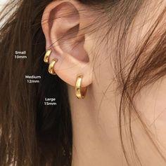 Mini Bar Stud earrings in Sterling Silver, short silver bar stud, sterling bar post earrings, small silver earring, minimalist jewelry - Fine Jewelry Ideas Small Gold Hoops, Small Gold Hoop Earrings, Bar Stud Earrings, Crystal Earrings, Gold Earrings, Baby Earrings, Three Ear Piercings, Double Piercing, Triple Ear Piercing