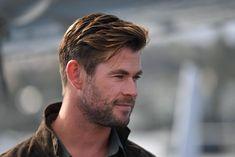Chris Hemsworth Thor, Chris Hemsworth Sin Camisa, Celebrity Hairstyles, Hairstyles Haircuts, Haircuts For Men, Jason Bourne, Beckham Hair, Hemsworth Brothers, Classic Haircut