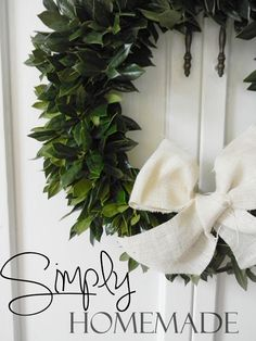 simply homemade: DIY Holly wreath tutorial