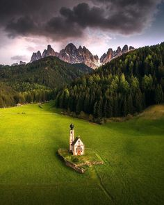 Val di Funes, Italy | Photography by ©️️ İlhan Eroğlu