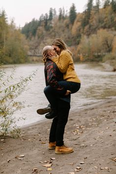 Portland engagement photos at Dabney State Park on the Sandy River in the fall!