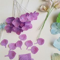 It's a lovely day! Let's spread some inspiration vibes today!#paperhydrangea#papersweetpea#papergardenerssociety#paperflorists#flowersofinstagram