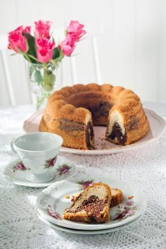 Marianne-tiikerikakku on monen suosikki. Tässä ohjeessa tumma taikina on… Sweet Pastries, Creme Brulee, I Love Food, Yummy Cakes, Delicious Desserts, French Toast, Sweets, Breakfast, Recipes