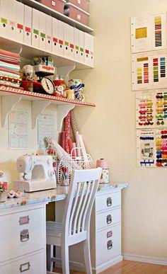 futuramente, quero fazer um curso de corte e costura e ter minha própria máquina de costura. outra ideia pro quarto de hobbies.