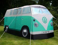 Une tente de camping Combi Volkswagen