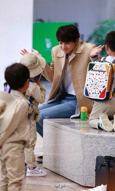 Return of superman. Minho and kids, nothing could be more perfect. Onew Jonghyun, Choi Min Ho, K Pop Star, Korean Celebrities, Kpop Boy, Asian Men, Pop Group, Boy Bands, Kdrama