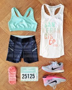 This trusty half-marathon checklist is perfect for gearing up with the right essentials the night before the big day. We've got the advice and tips you need for your race, whether it's your first half or you're a seasoned vet. Interval Running, Running Workouts, Running Tips, Running Training, Easy Workouts, Training Plan, Half Marathon Quotes, Half Marathon Training, Marathon Running