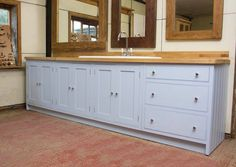 Find top quality solid wood kitchen from Piggeries Furniture at compatible price.