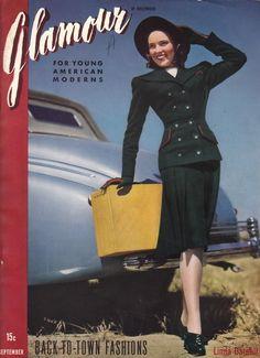 1940s travel fashion