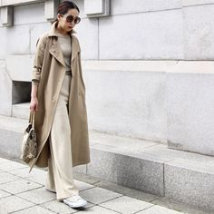 30 hottest winter outfits cold ideas to wear right now Spring Outfits, Winter Outfits, Casual Outfits, Girl Fashion, Fashion Outfits, Womens Fashion, Sleeveless Trench Coat, Trench Coat Outfit, Japanese Outfits