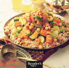"""Couscous mit Gemüse: Gesund und fit – Schlemmen mit der 500-Kalorien-Küche. Aus unserem Buch """"Schmackhafte Rezepte unter 500 Kalorien"""" mit vielen alltagstauglichen Gerichten aus aller Welt."""