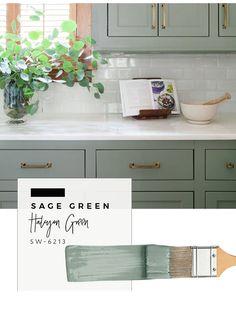 Our top color palette trends spring 2017 - sage green kitchen cabinet paint colors Kitchen Decor, New Kitchen, Kitchen Colors, Kitchen Paint, Painting Cabinets, Green Kitchen Cabinets, Kitchen Interior, Kitchen Cabinet Colors, Cool Kitchens