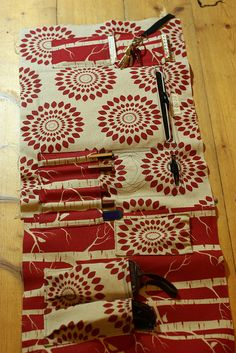 """""""Things I've learned about making bags"""" by Soozs -- full of helpful tips and wisdom from a veteran bag maker."""