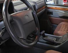 Range Rover Classic restauratie Plaid And Leather, Range Rover Classic, Car Seats, Range Rovers, Tartan Plaid, Interior, Indoor, Design Interiors, Range Rover