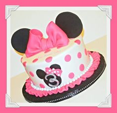 Pretty in Pink Minnie Mouse - Cake by Ann-Marie Youngblood - CakesDecor