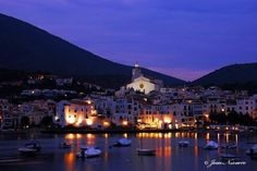 Cadaqués... A day trip from Barcelona Barcelona Day Trips, Cathedral, Mansions, House Styles, Building, Places, Travel, Viajes, Manor Houses