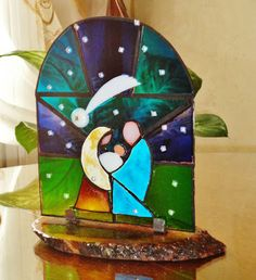 Stained Glass Christmas, Faux Stained Glass, Stained Glass Projects, Stained Glass Patterns, Glass Christmas Ornaments, Christmas Crafts, Nativity Ornaments, Christmas Nativity Scene, Mosaic Glass