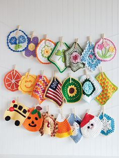 A Year of Dishcloths to crochet 52 patterns for dishcloths                                                                                                                                                      More