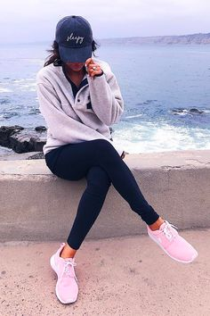 Cool 46 Cute Sporty Outfits Ideas Try This Fall - Sporty Outfits ❤ Cute Sporty Outfits, Casual Summer Outfits, Fall Winter Outfits, Sport Outfits, Modern Outfits, Winter Dresses, Stylish Outfits, Legging Outfits, Athleisure Outfits