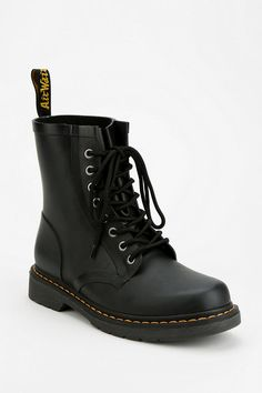 Dr. Martens Drench Glossy 8-Eye Rain Boot>> I WANT to get these shoes