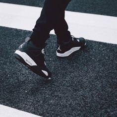 wanna this shoes jordan 4 oreo