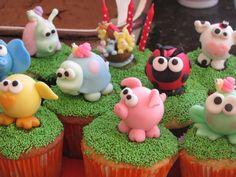 cupcakes para mi sobrinita! by artesanias-princesitas, via Flickr