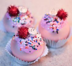 Cupcake Ornament  - 13 Trendy DIY Ornaments