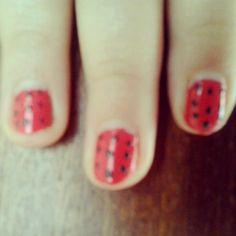 Pois nail art Base: kiko