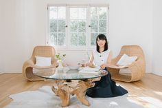 It takes several days or more to complete the KonMari Method™ – but what if company is coming tomorrow? Marie Kondo shares a few quick tips that will spruce up any space. Declutter Your Home, Organizing Your Home, Home Organization, Neat And Tidy, Tidy Up, Konmari Method, Marie Kondo, Up House, Office Makeover