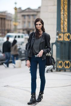 Rich navy skinnies -Carolines Mode | StockholmStreetStyle-