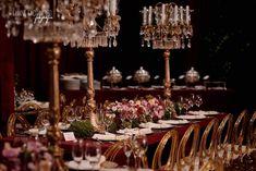 Decoração casamento marsala romântica Table Decorations, Furniture, Home Decor, Wedding Event Planner, Romanticism, Colors, Decoration Home, Room Decor, Home Furnishings
