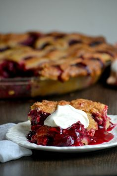 Summer Sangria Pie, and How to Make the Perfect Butter Pie Crust by Hand. I am so making this Chef Robin White Köstliche Desserts, Delicious Desserts, Yummy Treats, Sweet Treats, Dessert Recipes, Yummy Food, Pie Dessert, Eat Dessert First, Butter Pie